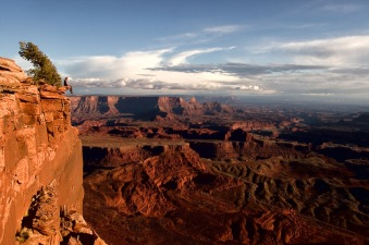 a-place-to-sit-dead-horse-point-utah
